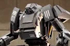 「クラタス」アメリカの巨大ロボットの挑戦状